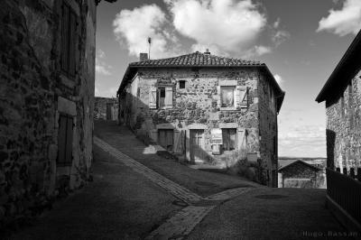 Petit village sur la colline